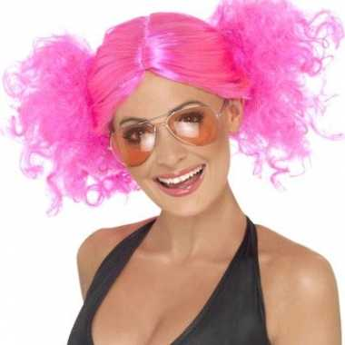 Fel roze dames pruik staartjes carnaval