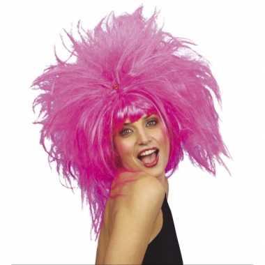 Grote Grazy roze damespruik carnaval
