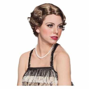Queen Elisabeth pruik bruin carnaval