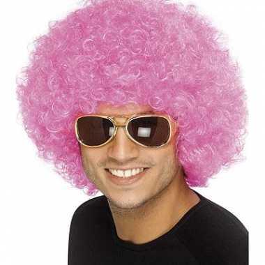 Roze afropruiken carnaval