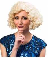 Blonde dames pruiken carnaval
