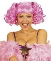 Roze damespruik pony twee staarten carnaval